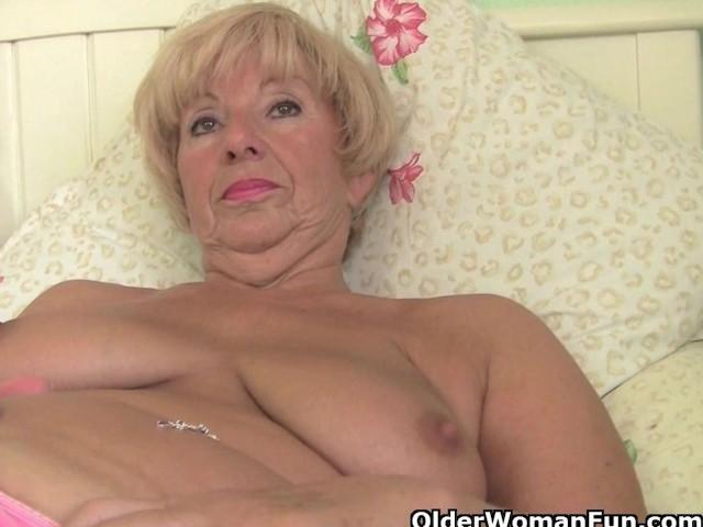 Female friendly porn cunnilingus video