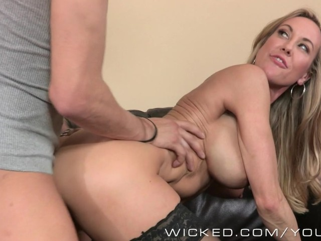 Hot Step Mom Brandi Love - Watch Porn Free And Download -3494
