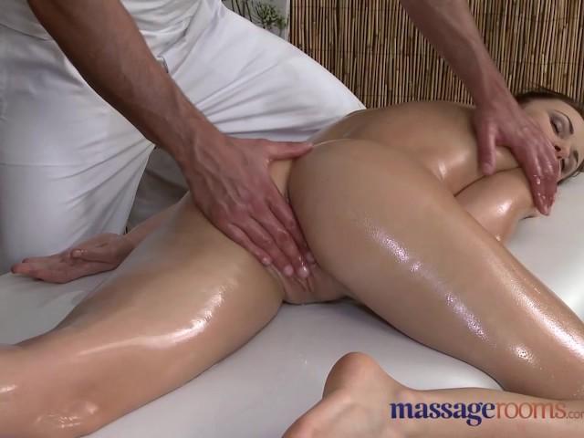 Массаж пальчиками в попку видео порно 5492 фотография