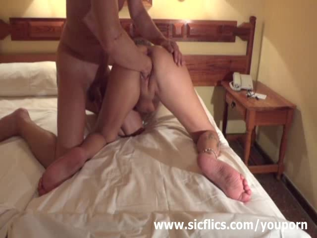 Young girls shits herself in anal