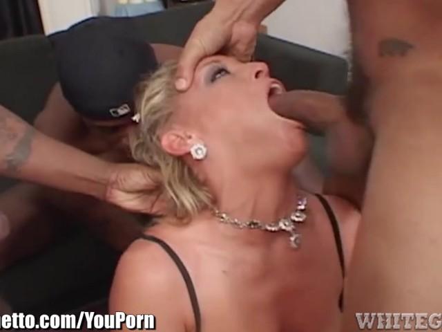 Whiteghetto Dirty Milf Blows 3 Black Cocks - Free Porn -2923