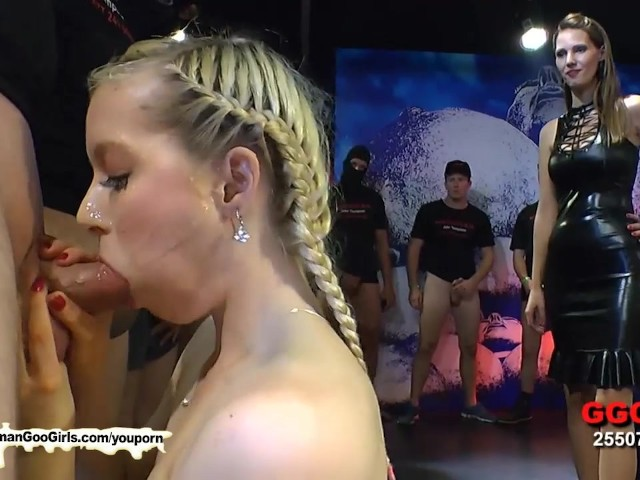 hairy milf and beautiful teen enjoy each other!