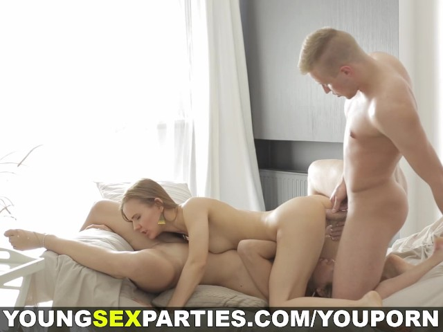 Young Sex Parties - Surprise Threesome With Teens - Free -2853