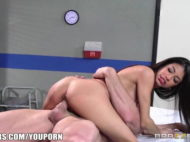 Veronica Rodriguez Brazers С Мамкой