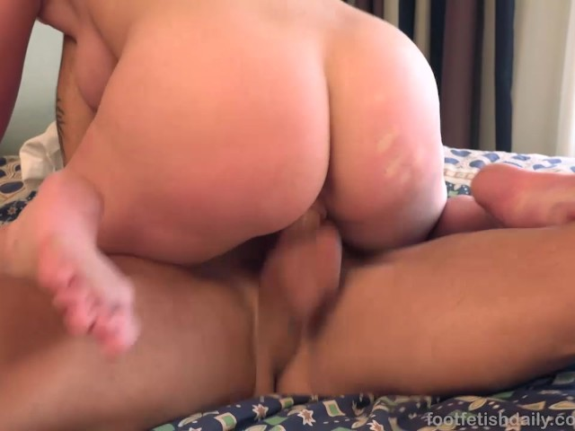 Big Tit Blonde Takes a Milky Cumshot Across Her Soles - Free Porn Videos -  YouPorn