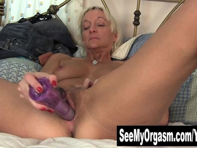 image Short haired bobbie fingering her hairy cunt