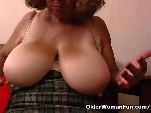 Eating cum from pussy cum