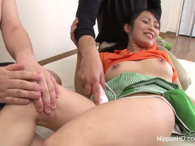 Little Asian Golf Pro Sucks Some Cock As She Gets Toyed