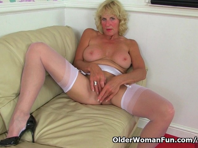 British Milf Molly Is Sexy And She Knows It - Free Porn Videos - Youporn-4279