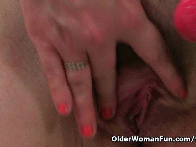 British mum janey fucks her hairy pussy with a dildo 6