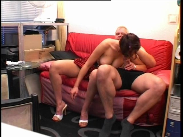 She Likes To Open Up - Julia Reaves #298958