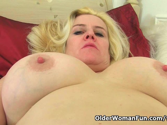 image English mum tori works her hairy pussy with a dildo