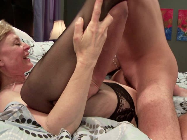 Shy mom reluctant free adult porn clips