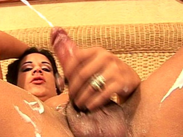 1126 creamy cum to many squirts beautiful cunt 4