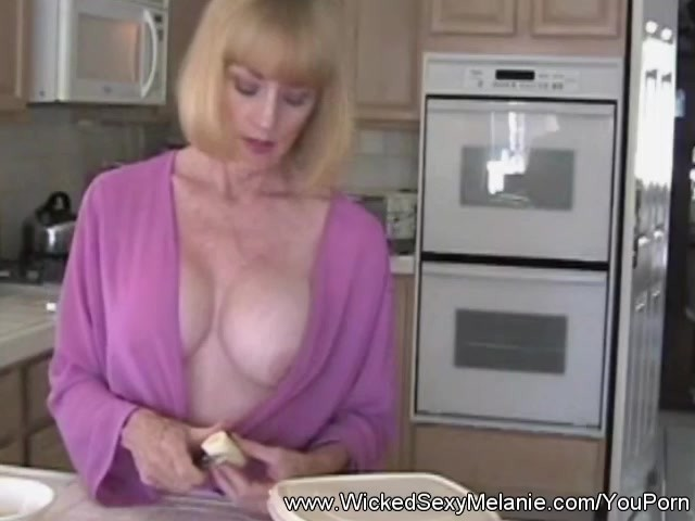 Overthumbs grandma outdoor sex