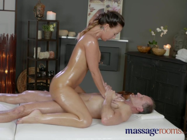 bb suomi suihku milf massage videos