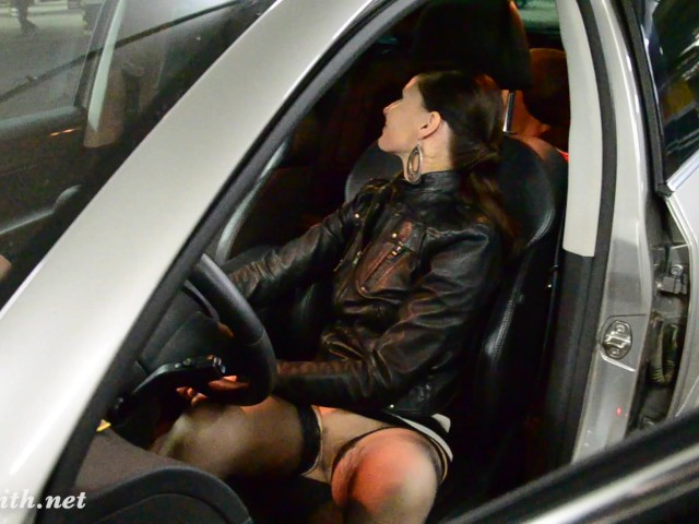Jeny Smith playing with dildo at car parking