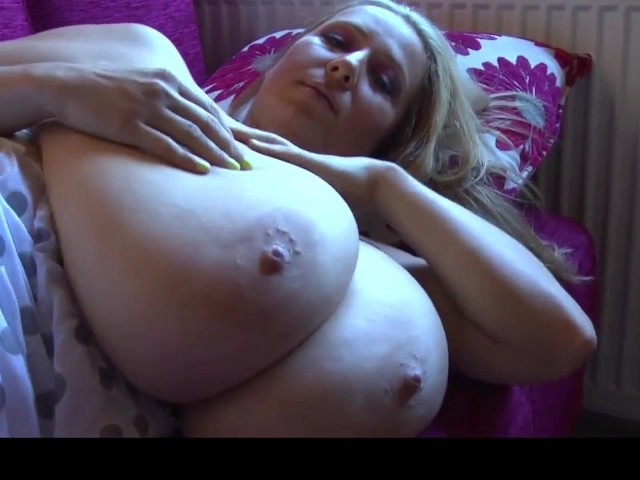 Massive Boobs On Blonde Hottie - Amarporncom - Free Porn -4858