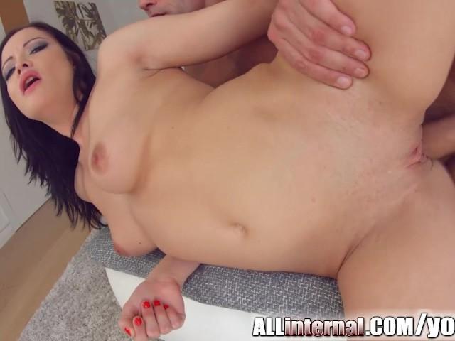 Allinternal hottie licks a dick clean 9