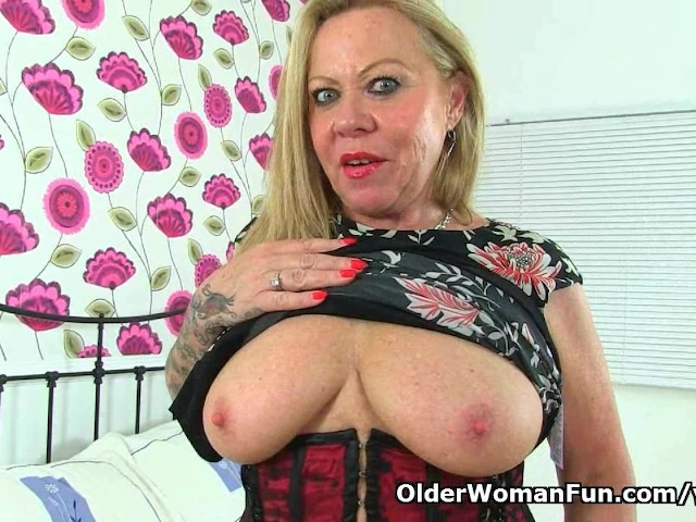 Over 60 Year Old Granny Camilla Needs Getting Off - Free -1037