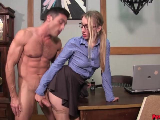 Riley Reyes plus Lance Hart make some silly ass porn PEGGING BATMAN SENSUAL FEMDOM #1183242
