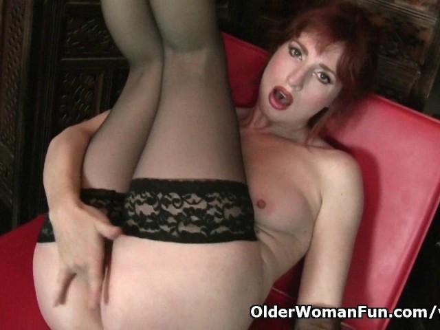 Redheaded milf Amber Dawn looks so slutty in black lingerie #279511