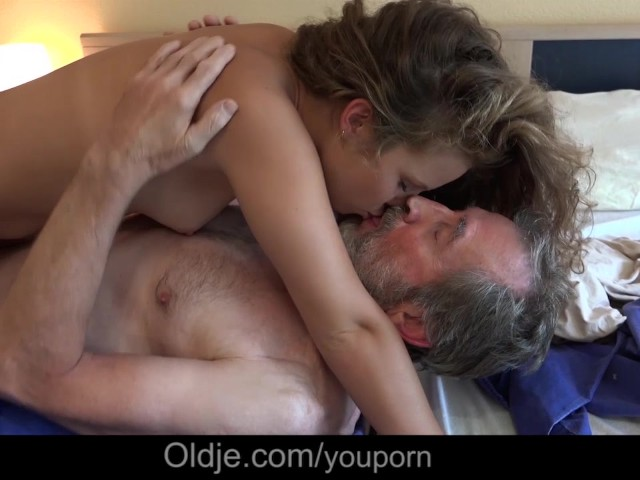 Horny Housekeeper Porn - Petite Horny Housekeeper Fucking French Old Boss Cleaning Cumshot - Free  Porn Videos - YouPorn