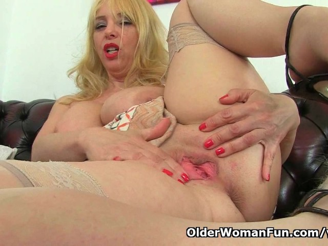 Milf Lucy Gresty Is Showing Off Britain S Best Mature -4986