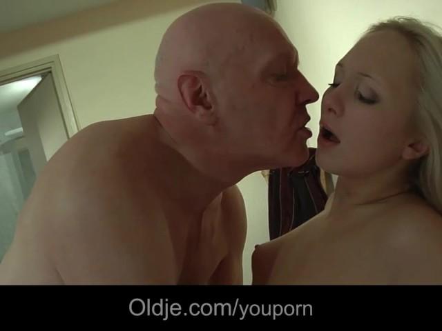 смотреть фильм порно транс с семейной парой новое