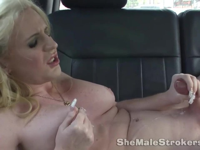 Girls eating shemale cum