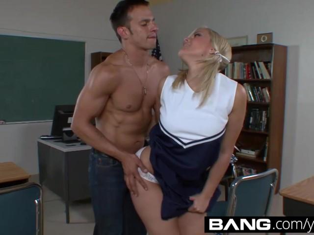 cheerleader-porn-sluts-plain-amateur-sex-pics