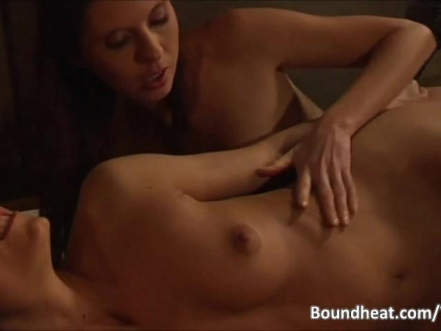 λεσβιακό strapon BDSM πορνό