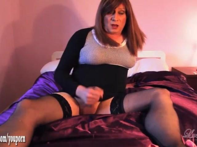 hot-redhead-wanks-sexy-naked-nude-girls-having-sex-videos
