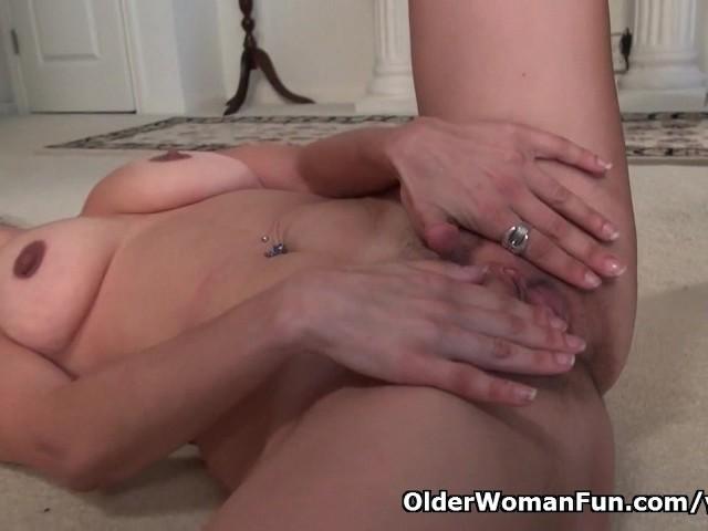 Milf serena cruz will let you enjoy her hard nipples and creamy cunt 3
