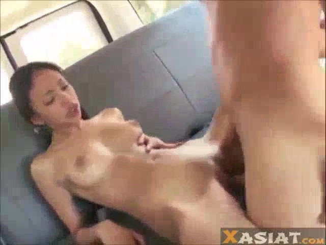 Thai working girl fucks a guy in hotel room