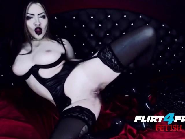 Goth Dominatrix Fucks Herself In Latex - Free Porn Videos -8357