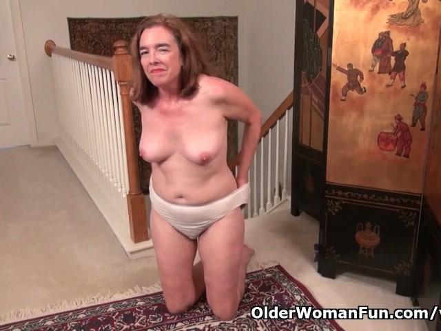 American gilf melody garner rubs her hairy pussy 6