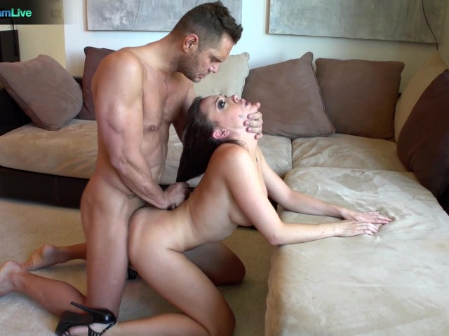 House wife shows boy her pussy