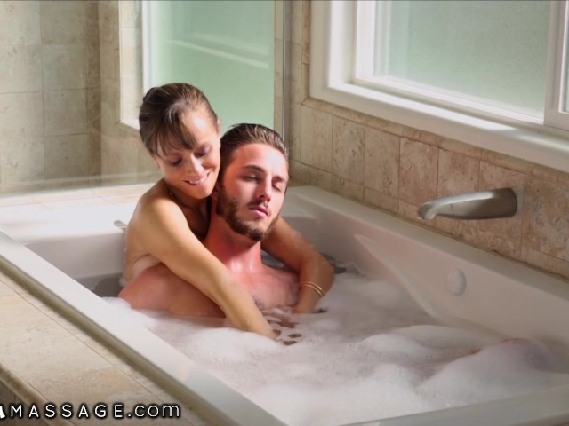 Nurumassage stepmom draws bath for son 9