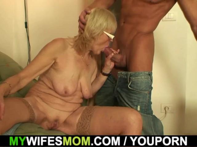 Порно ролики мамаша друга