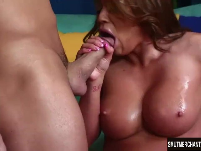 Weather slut gets cock on the job