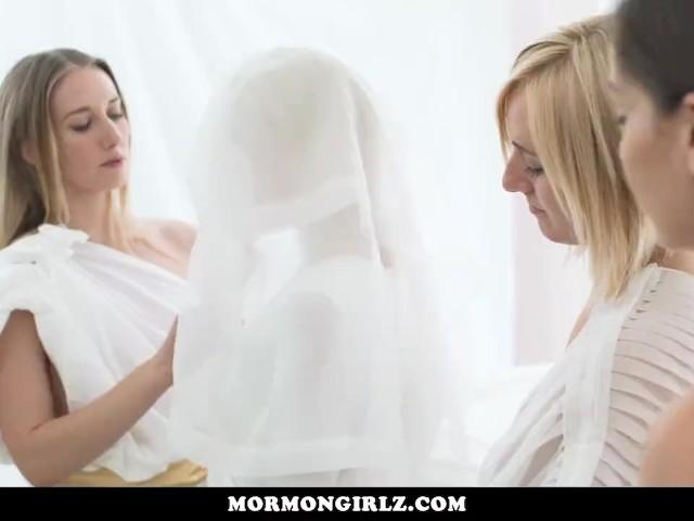MormonGirlz-Lesbian foursome on the temple altar