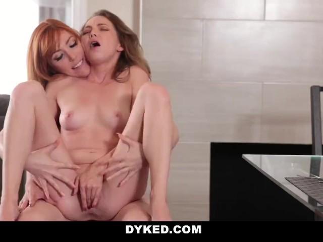 Kelly B facefuck sexy