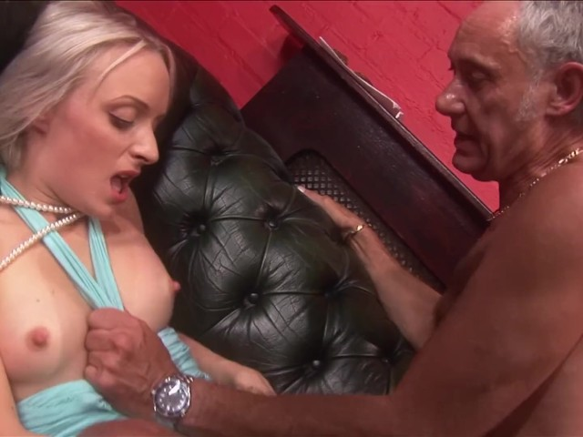 Lexingtonsteele amy anderssen shared by 2 hung studs 5