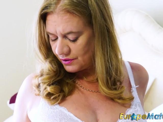 Seductive Solo Mature Masturbation 80