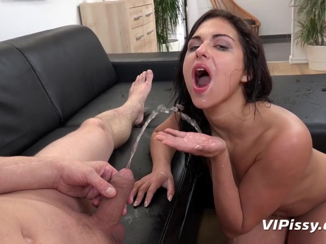 pissing-volosatih-na-video-chlen-uzkuyu-popu