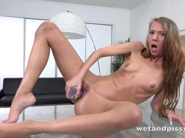 Wetandpissy - Paris Devine gets piss drenched while toying a jelly dildo #1183271