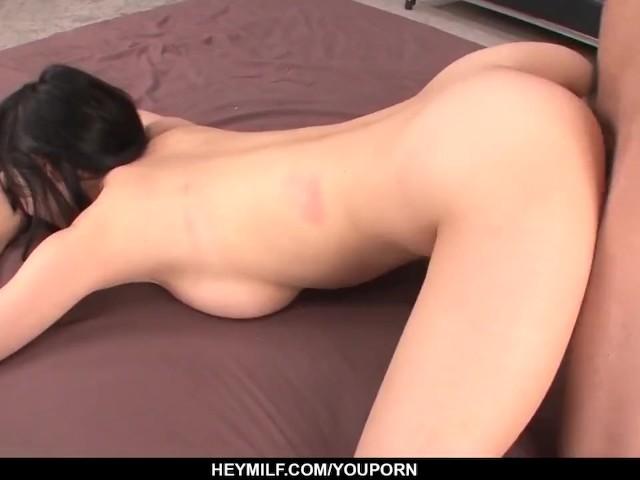Nozomi Hazuki Takes Down Her Panties for a Crazy Fuck