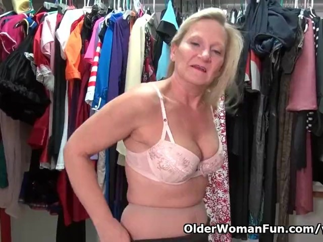American Milf Mary Wana Gets Overwhelmed by Lust - Free Porn Videos - Cliporno