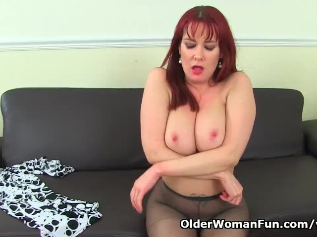 English milf tanya cox gets naughty with a dildo